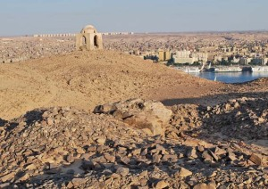 Grinding stone quarry at the top of Gebel Qubbet el-Hawa