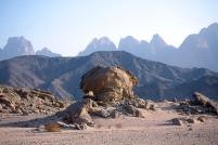 Egypt (Eastern Desert, Badia): looking towards the Qattar mountains