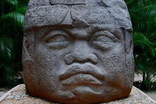 Mexico (La Venta archaeological park, Villahermosa): Olmec sculpture