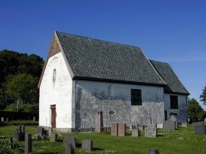 Moster gamle kirke - en av landets eldste steinkirker