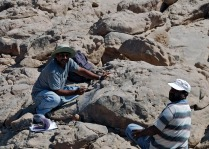 Adel Kamel (right) and Adel Kelany of the SCA Aswan recording rock art at Subeira. Photo: Per Storemyr