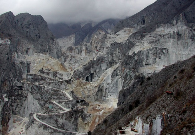 Modern quarries at Carrara. But the quarries have a history 3000 years back to the Etruscan period. Photo: Per Storemyr