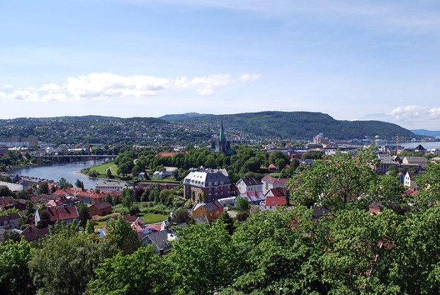 Nidaros Cathedral in Trondheim (middle). Quite possibly a cult centre, or central place, since the Iron Age. Photo: Per Storemyr