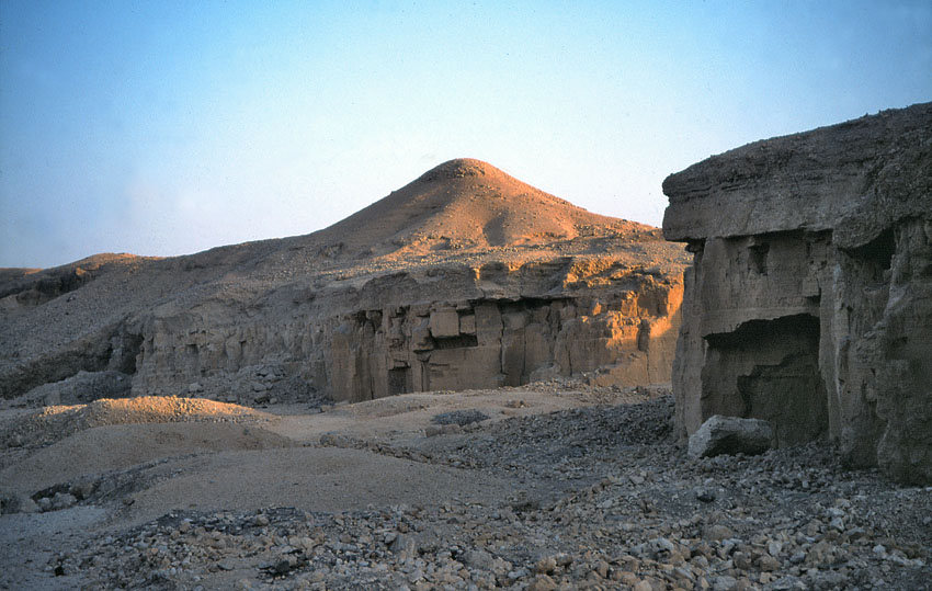 Ten quarries of Ancient Egypt: 4 – Wadi el-Muluk limestone