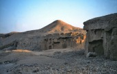 This is the place where we bumped into the Wadi el-Muluk limestone quarry in the winter of 1999. Photo: Per Storemyr