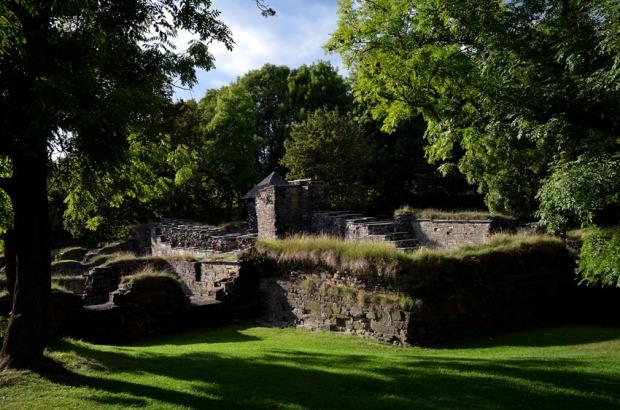 Ruinene av Edmundsirken og en del av det middelalderske klosterkomplekset på Hovedøya. Foto: Per Storemyr