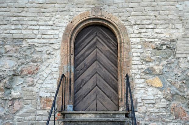 Et av de siste arbeidene i kleberstein i senmiddelalderens Norge: Portal hogget rett før reformasjonen i Erkebispegården i Trondheim. Foto: Per Storemyr