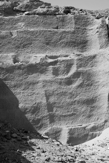 Tool marks in the Middle Kingdom part of the Nag el-Hammam sandstone quarry near Gebel el-Silsila. Photo by JAMES HARRELL.