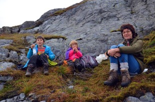 Picnic in the Siggjo Neolithic rhyolite quarries. Photo by Per Storemyr