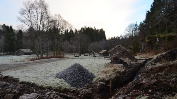 January 2017: Building the kiln starts by draining the wet site in Millstone Park, Hyllestad...