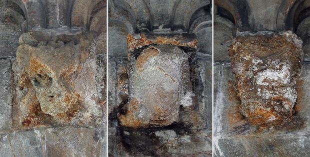BERYKTET: «Grytdalstein» fra Gauldalen forvitrer fortere enn svint. Steinen ble brukt under gjenreisningen av Nidarosdomen mellom 1869 og 1892. Hodene er nå tatt vekk og erstattet. Mindre ekstreme eksempler finnes på hele domkirken. Foto: Per Storemyr