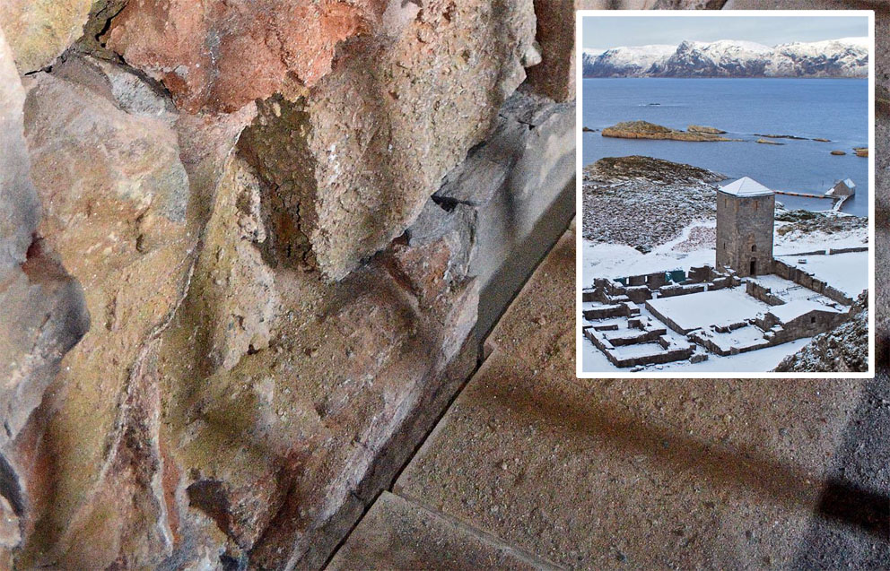 Det forvitrer sterkt fra veggene inne i Albanustårnet på Selja