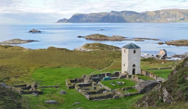 Er det slik vi vil se Albanustårnet i fremtiden - hvitkalket ut mot havet?