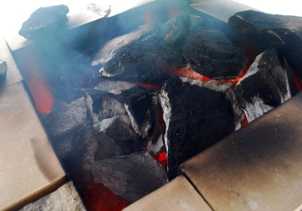 Det begynner å gløde mot toppen av ovnen, etter 4-5 timers brenning