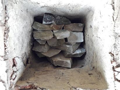 Hvelvet er bygd og fylling av marmor kan starte